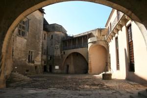Courtyard inside Château de Biron