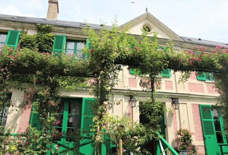 Claude Monet's pink and green house at Giverny